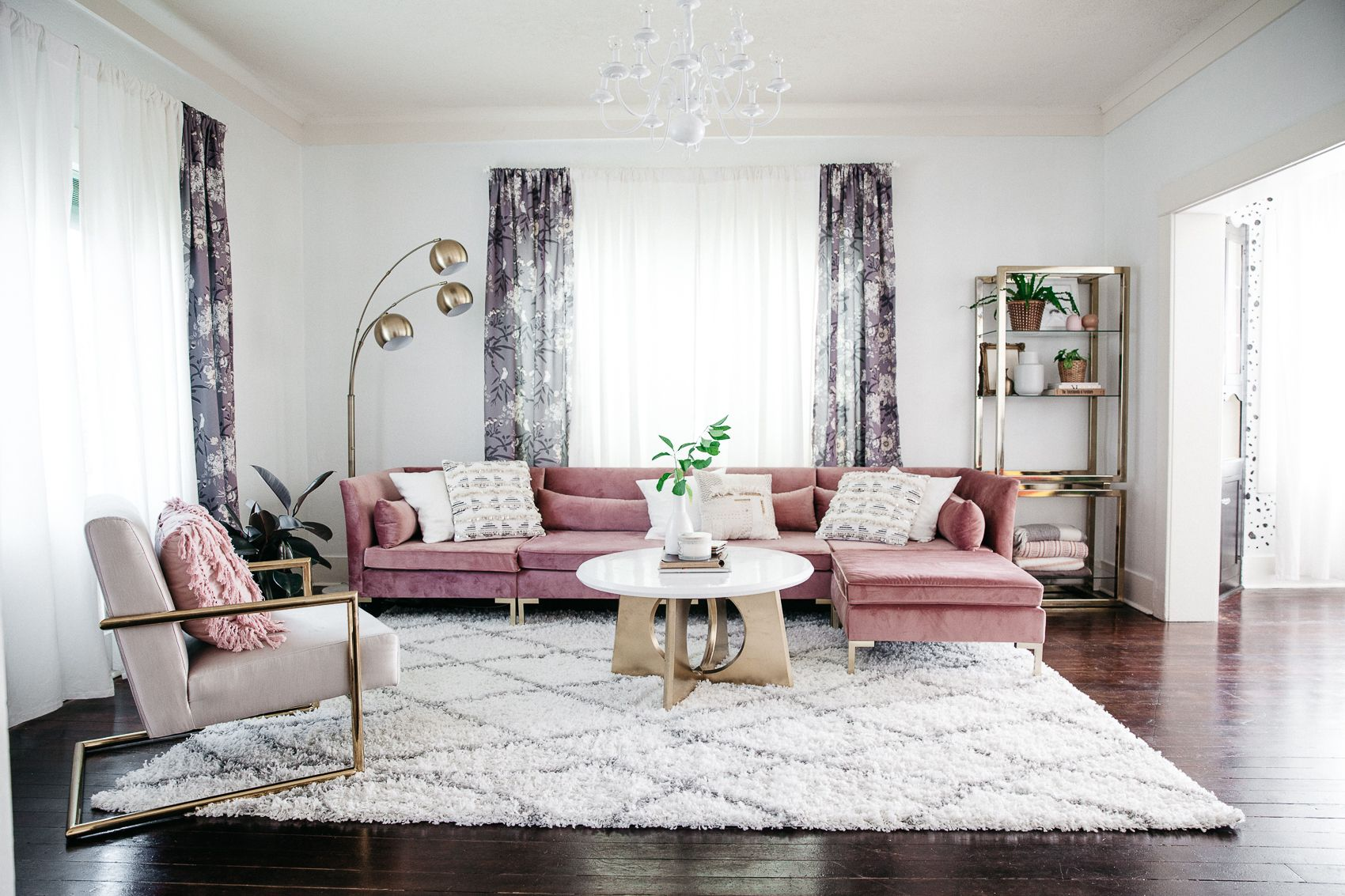 10 Living Room Colour Schemes You Need to Try This Year | Pink sofa ...