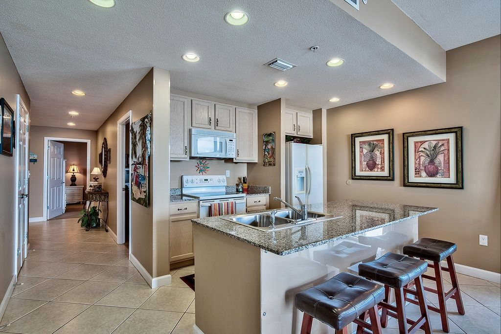 Transitional Kitchen with Raised panel, Kitchen island, Flat panel