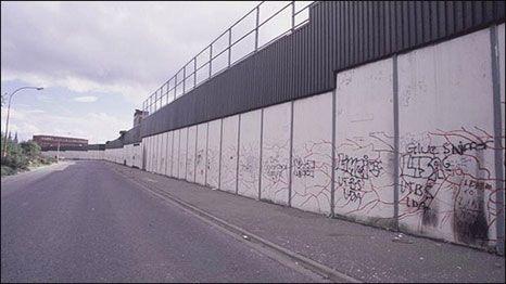 Muro em Belfast, Irlanda - Pesquisa Google