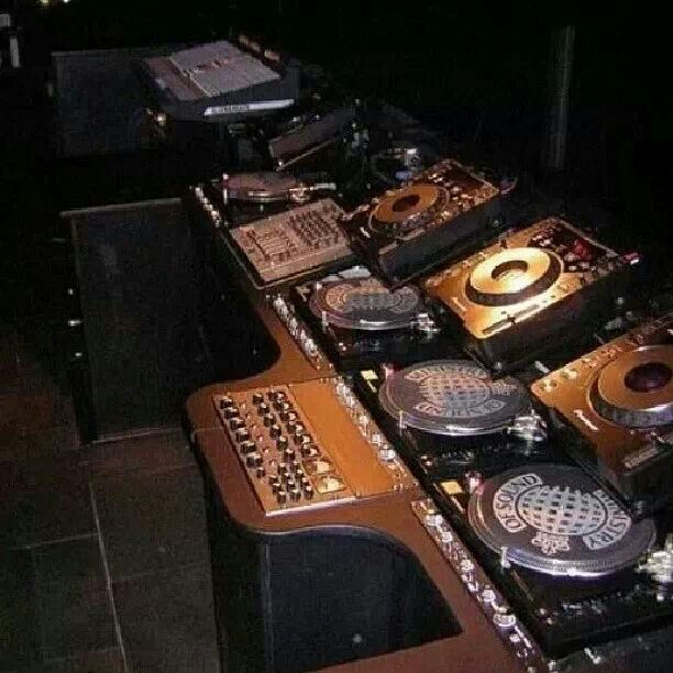 Set up @ Ministry of Sound! #dj #djculture #djgear http://www.pinterest.com/TheHitman14/dj-culture-vinyl-fantasy/