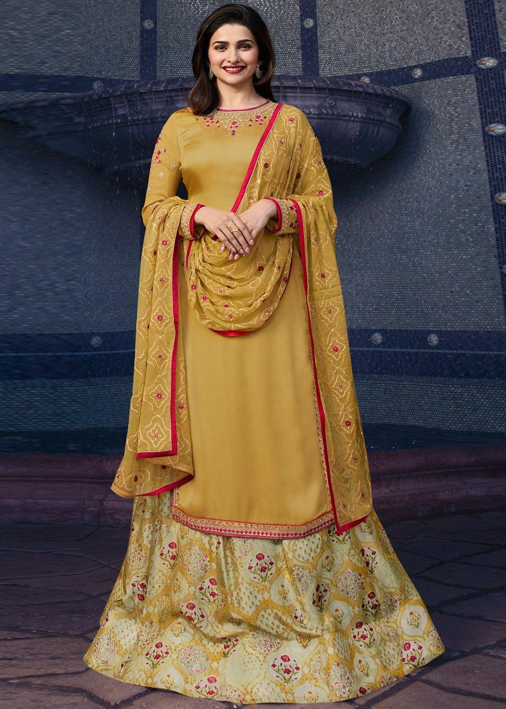 ed21002da4 #lehengadesign #Lehengawedding #Designerdressesindian #womenfashion #dresses  #ladiesfashion #fashiontips #womenoutfits #ethnicfashion #fashiondesigners  ...