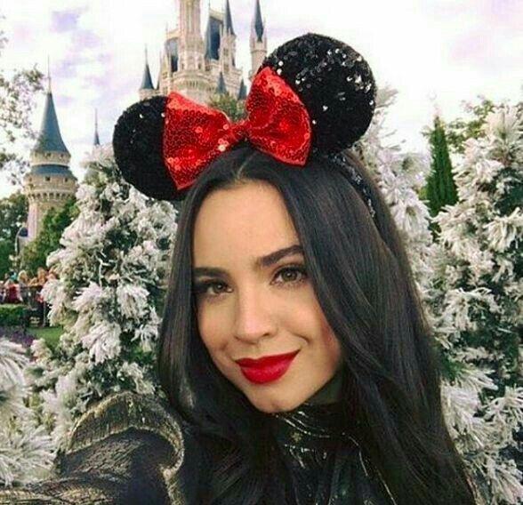 Descendants 2015 Disney Channel Stars Disney Stars Sophia Carson Princess Sofia Princesses Dove Cameron Searching Famous People