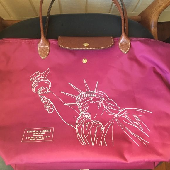 Longchamp Nyc Statue Of Liberty Or Pliage Bag Purchased At The Flagship Macy S In Is A Lovely Le Exclusive