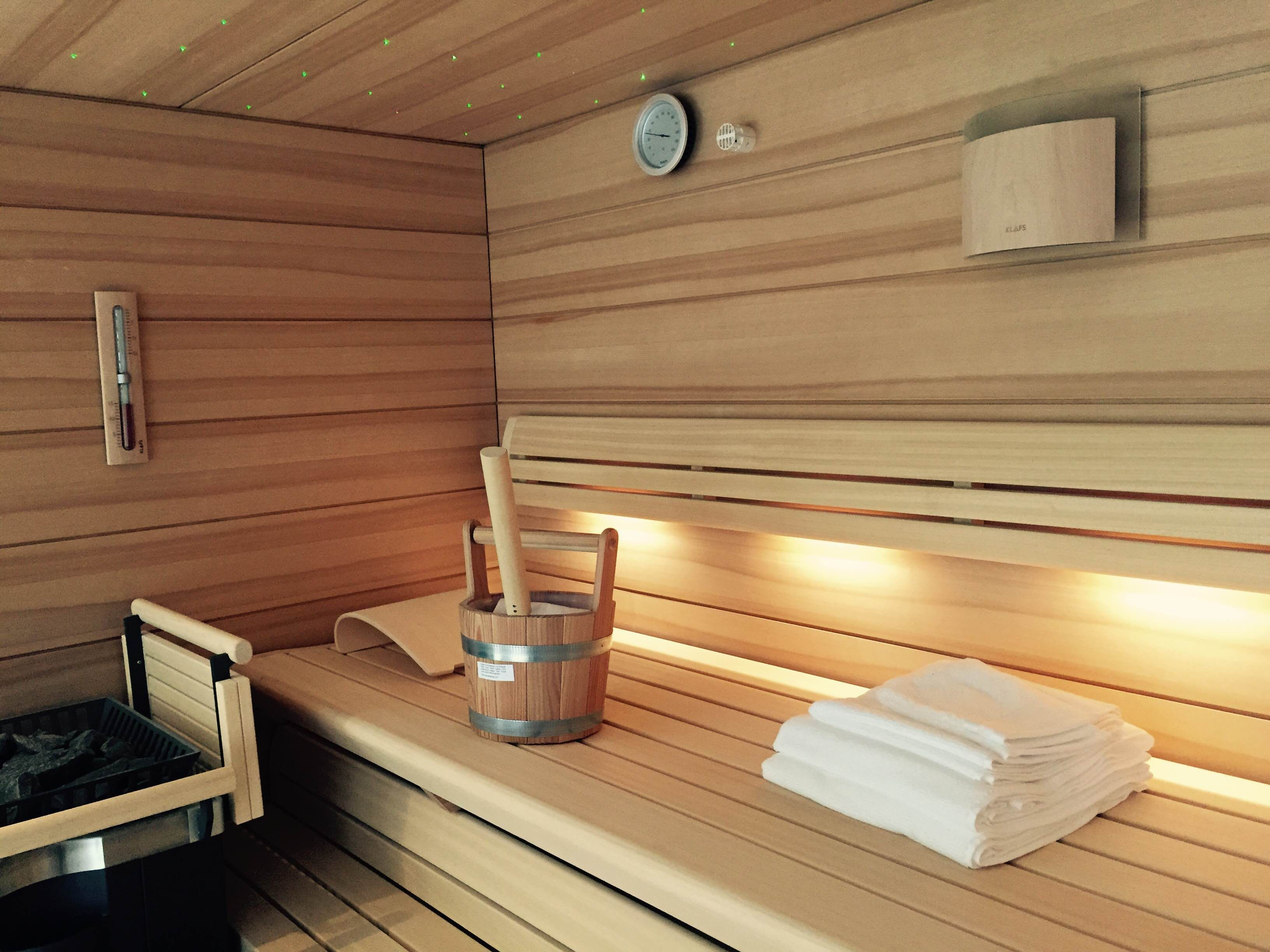 pin built fas glass steam finnish with through view wall sauna room