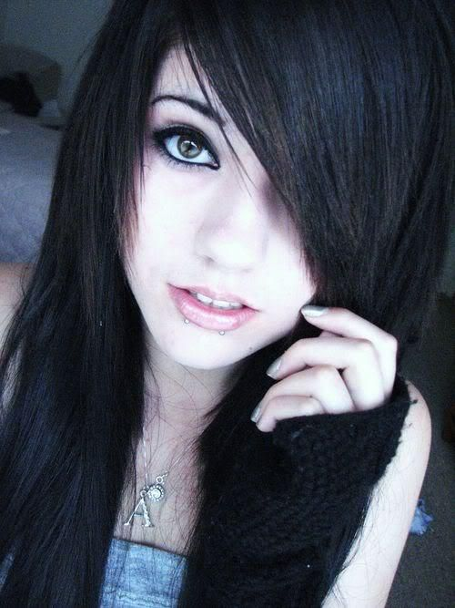 Nikki When She Looks Emo Is How She Wears Her Hair When -5538