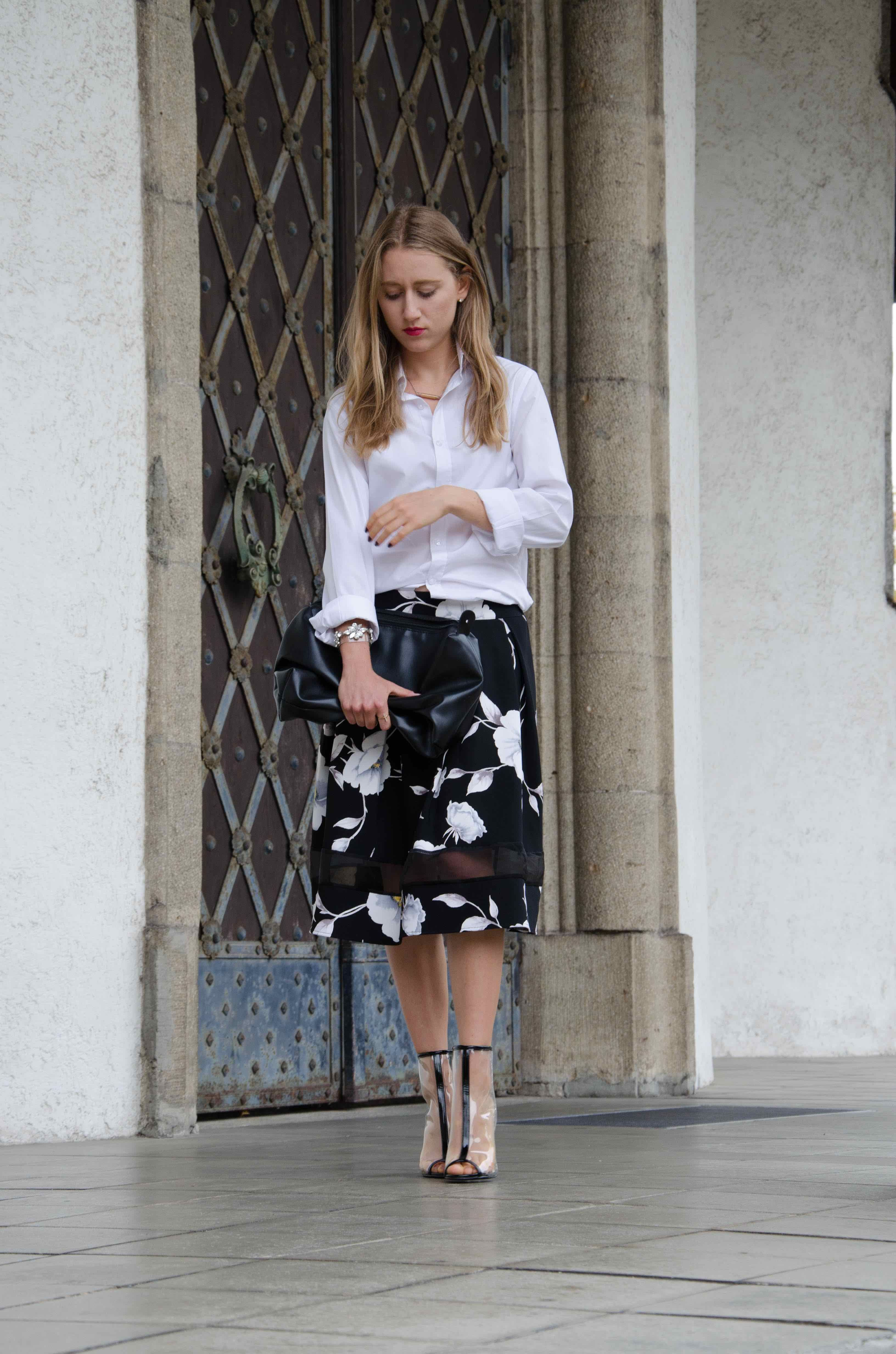 PetiiteNoir / Classic summer outfit with a white blouse, flower skirt and transparent heels