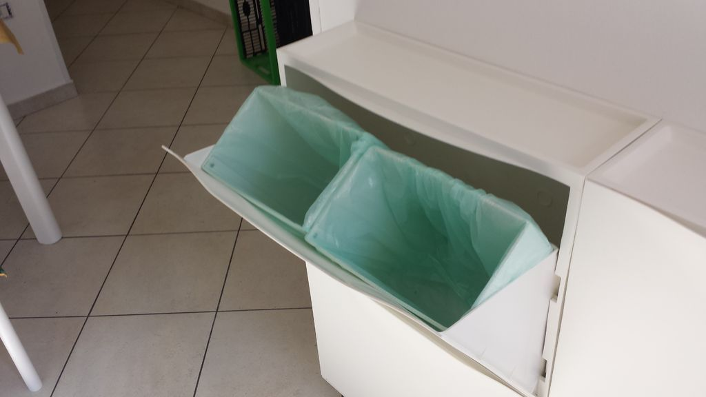Garbage Bin With the Ikea Shoe Rack Trones Trones ikea hack, Ikea - eckbank küche ikea