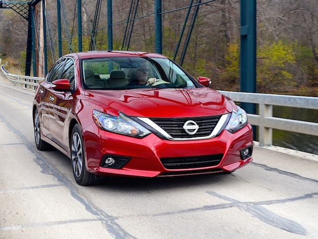 Refreshed Nissan Altima Poised To Move Up Altima Nissan Nissan Altima
