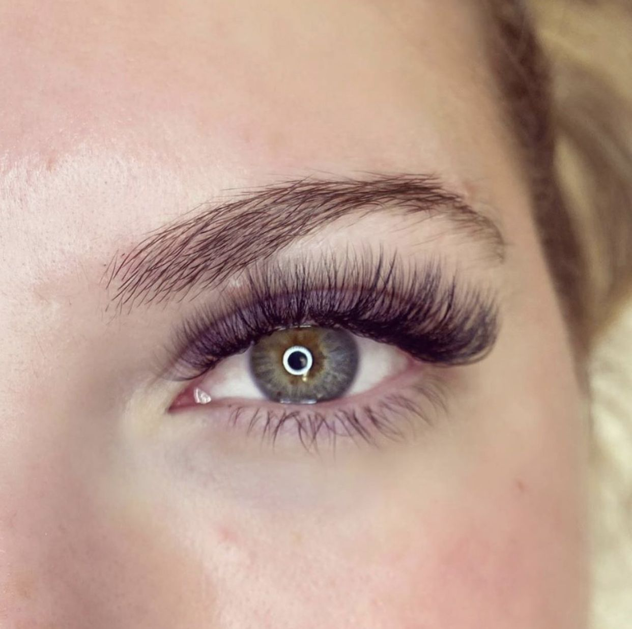 Luxury Hybrid Lash Extensions | Bronzed Humanity in 2020 ...