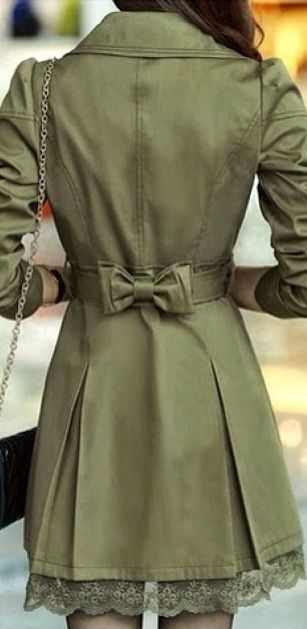 Really cute coat. I love this army green color!