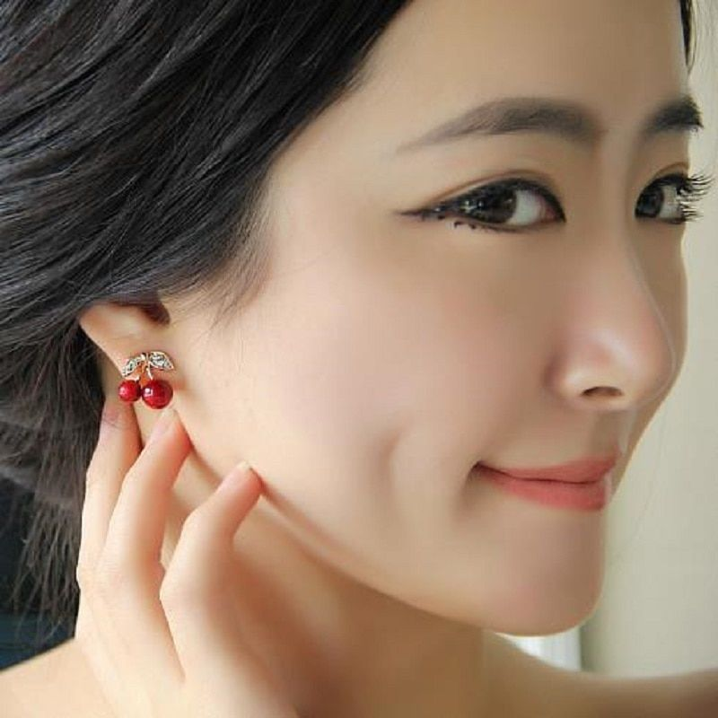 CHOA Exquisite Rhinestone Stud Earrings Asymmetric Star Moon Crystal Earrings Female Fashion Popular Earrings Jewelry