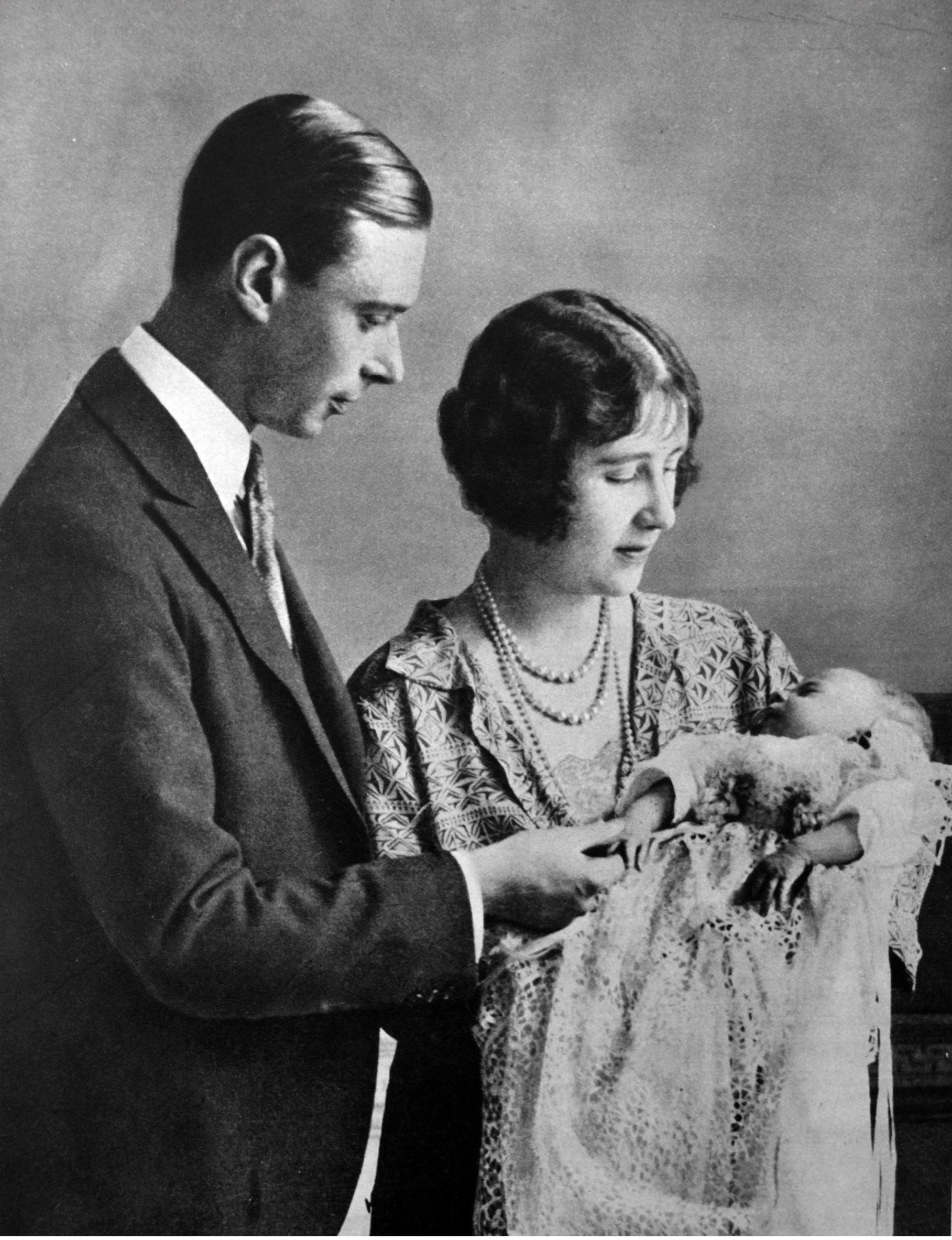 Queen Elizabeth turns 89 her parents King VI and