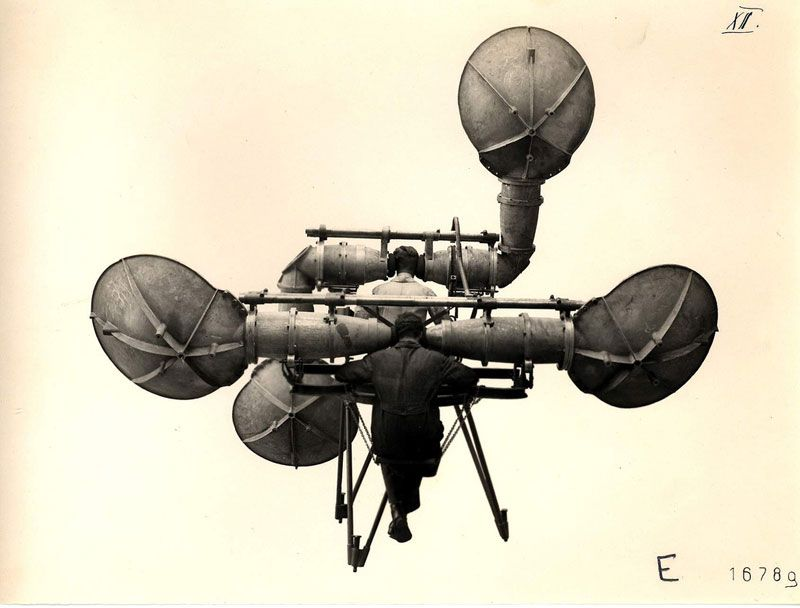 SOUND MIRRORS AND OTHER SENSORY EXPANSION DEVICES: FROM WARTIME TECHNOLOGY TO RADICAL ART PRACTICES