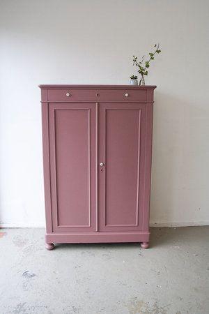 Vintage Kleiderschrank für rosa Mädchen Company
