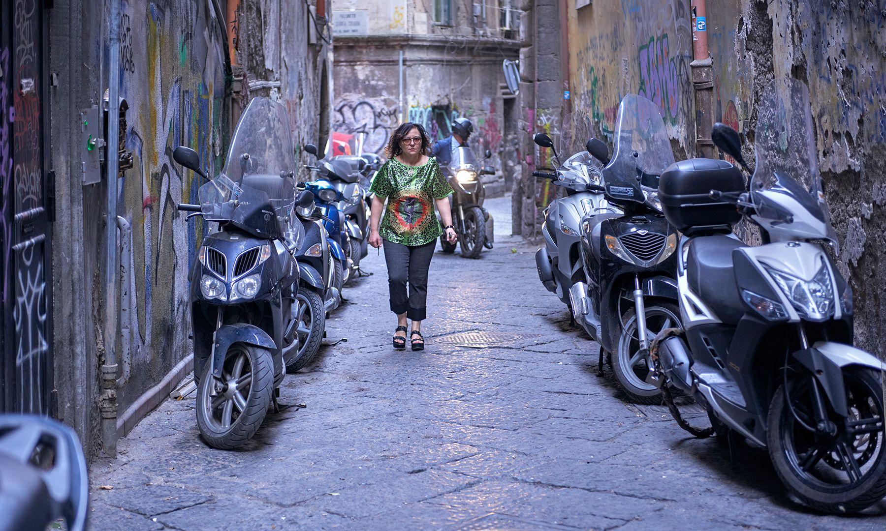 Callejón con motos