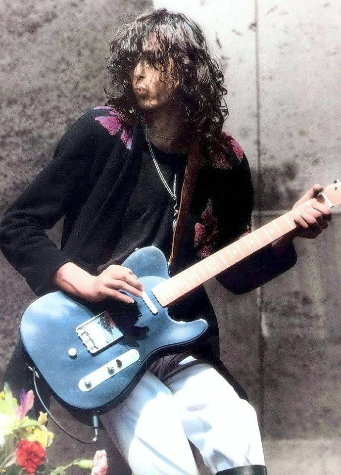 Jimmy Page playing the tele with the B string bender