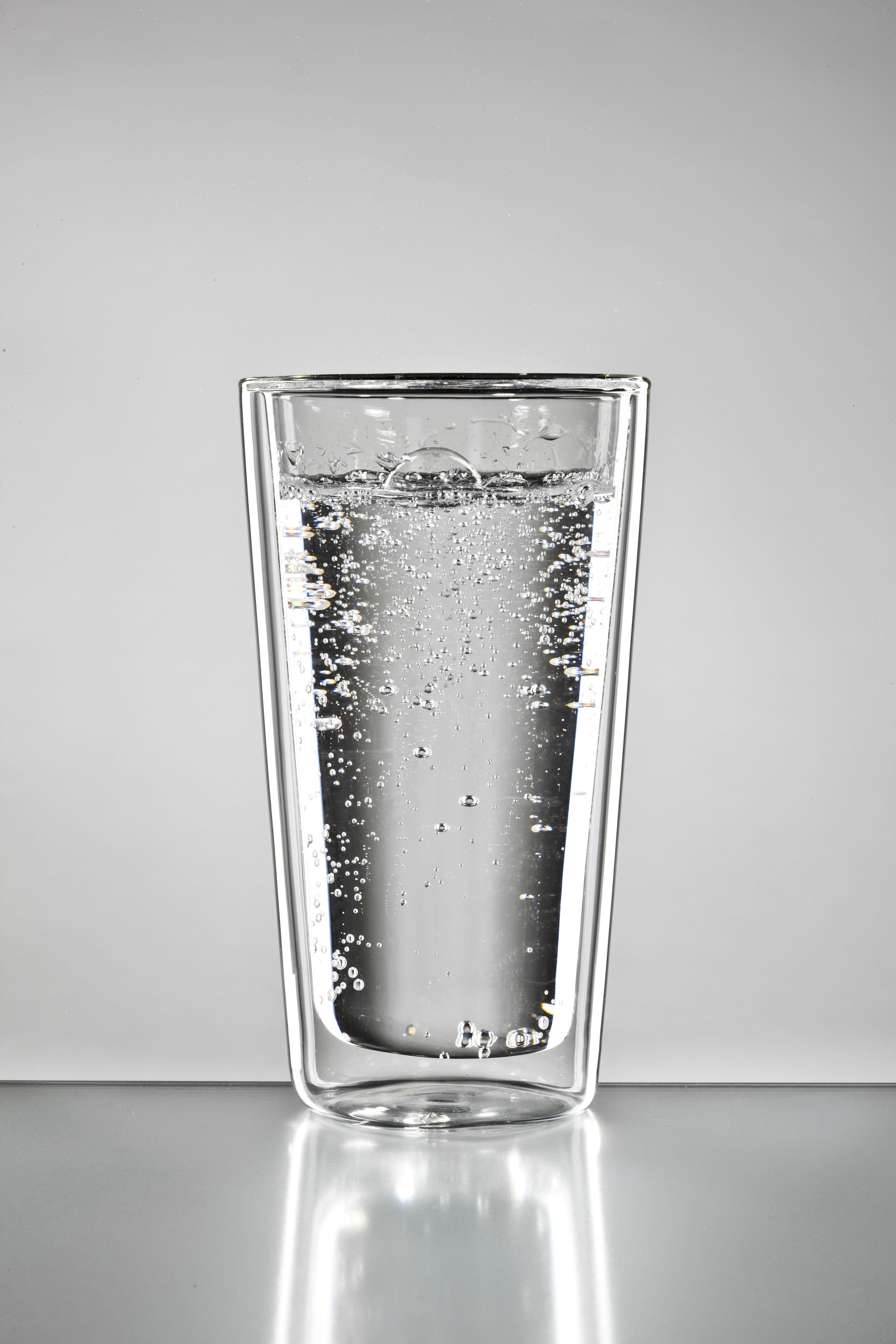 gerades Wasserglas mit einer Füllmenge von 300ml - kann auch für Latte Maccchiato verwendet werden.
