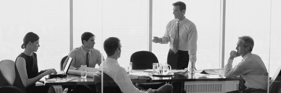 FLP Avocats  Michel Ferrand est un avocat dont la pratique professionnelle recouvre essentiellement les domaines des fusions-acquisitions, des relations contractuelles et des opérations de financement et de distribution.