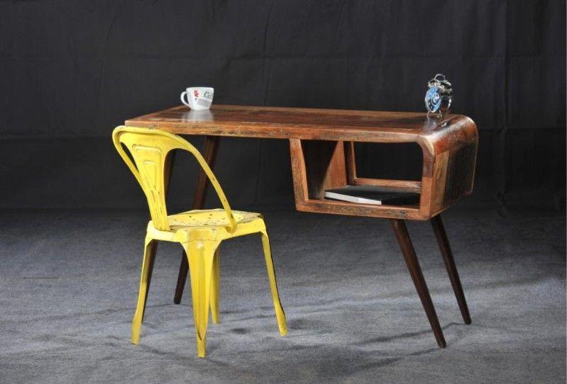 Bureau retro sloophout  Bureau in retro stijl van sloophout Afmetingen hxdxl 79 x 59 x 116 cm.  Afgewerkt met een transparante laklaag.