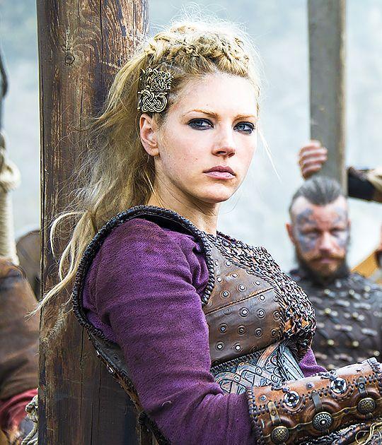 Katheryn Winnick As Lagertha Vikings Season 4 Wikingerfrau Wikinger Lagertha Kreative Frisuren