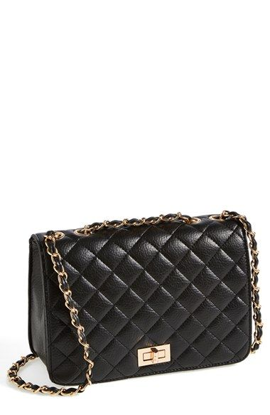 Love this classic quilted gold chain handbag.