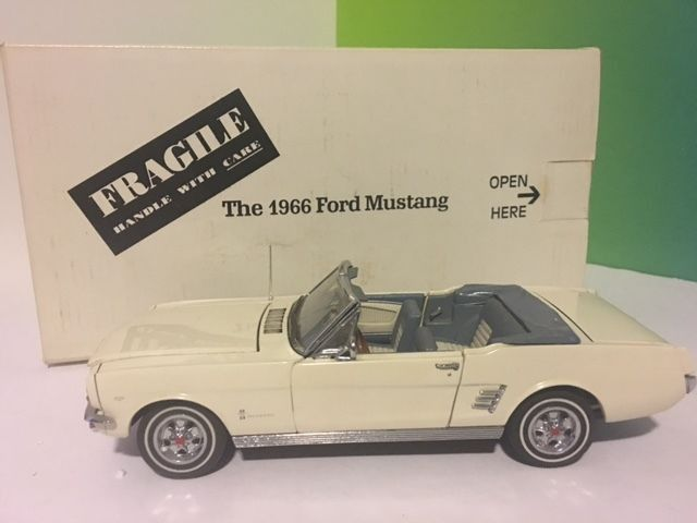 DANBURY MINT LIMITED DIECAST MODEL CLASSIC CAR WITH BOX 1966 FORD MUSTANG WHITE