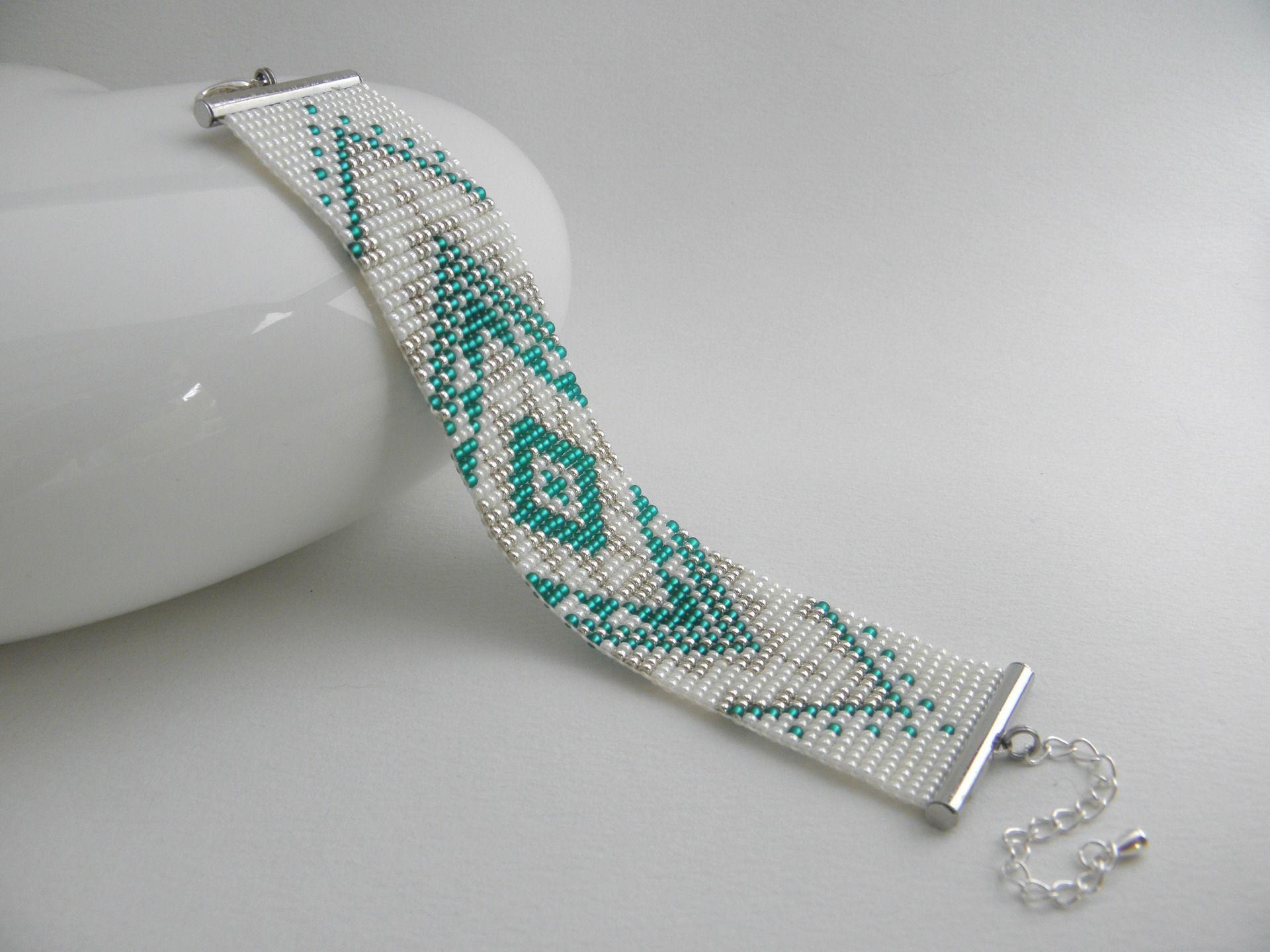 Bracelet en perle de rocaille tisse