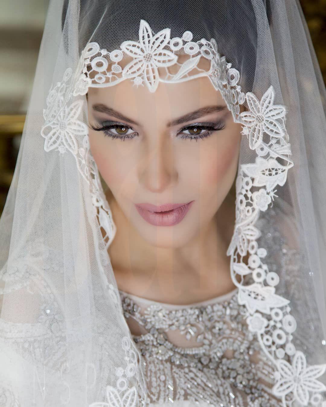 Baia Inspiring Spa On Instagram عروستنا الحلوة Softmakeuplook Baia Make Up Artist Marwa Gabsy Photo By Jad Bou Abdo Crown Jewelry Jewelry Crown