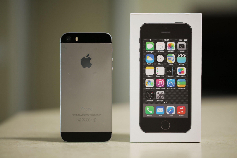 Giveaway iphone 5s space grey pintereste giveaway - Wallpaper iphone 5s space grey ...