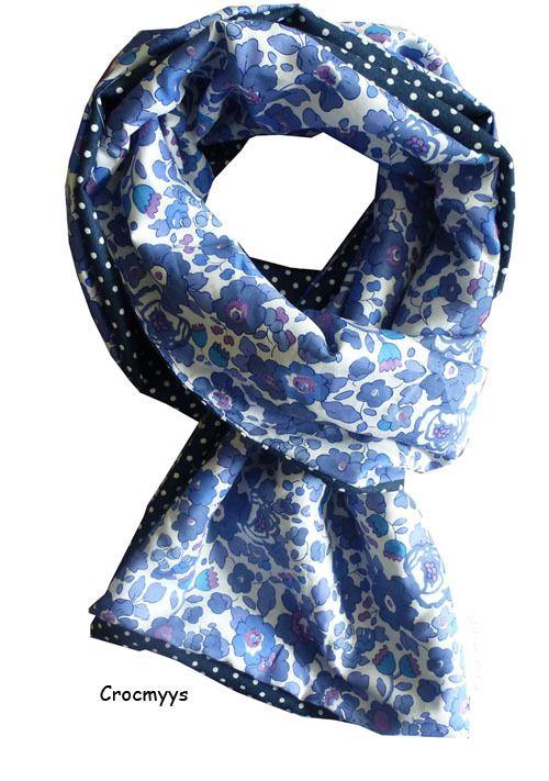 Foulard liberty betsy bleu et bleu marine   Echarpe, foulard, cravate par  crocmyys 33ad9e75832