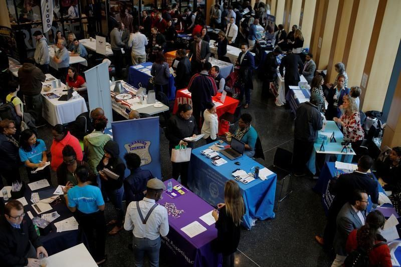 bit.ly/2oskBis U.S. jobless claims fall; continuing claims at 28-1/2-year low