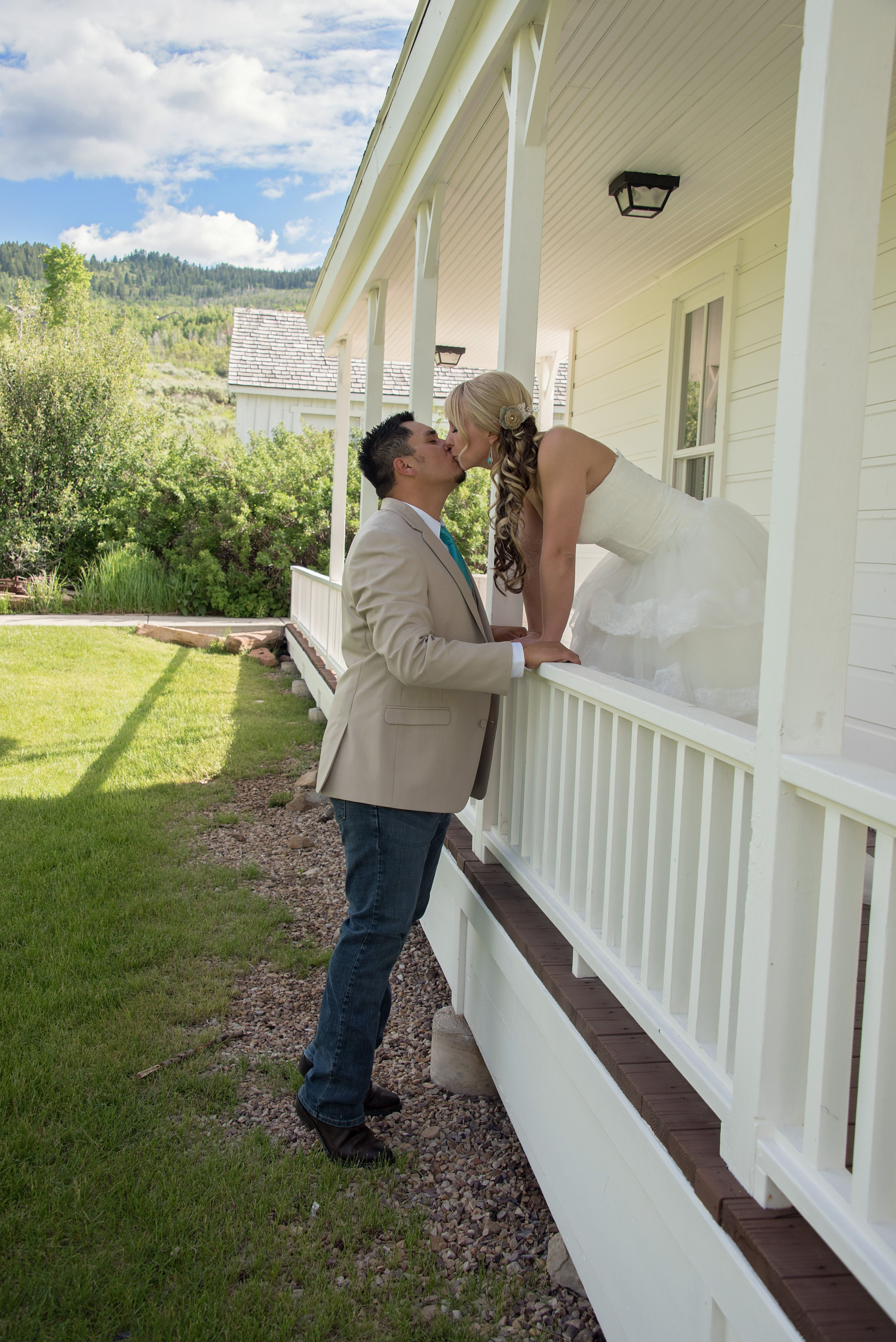 Country inspired bridals at the white barn in Park City ...
