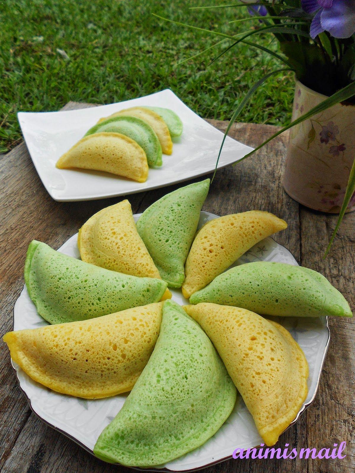 Kuih Apam Perlis. These custard-filled pancakes are also known as Kuih Seri Bulan and Kuih