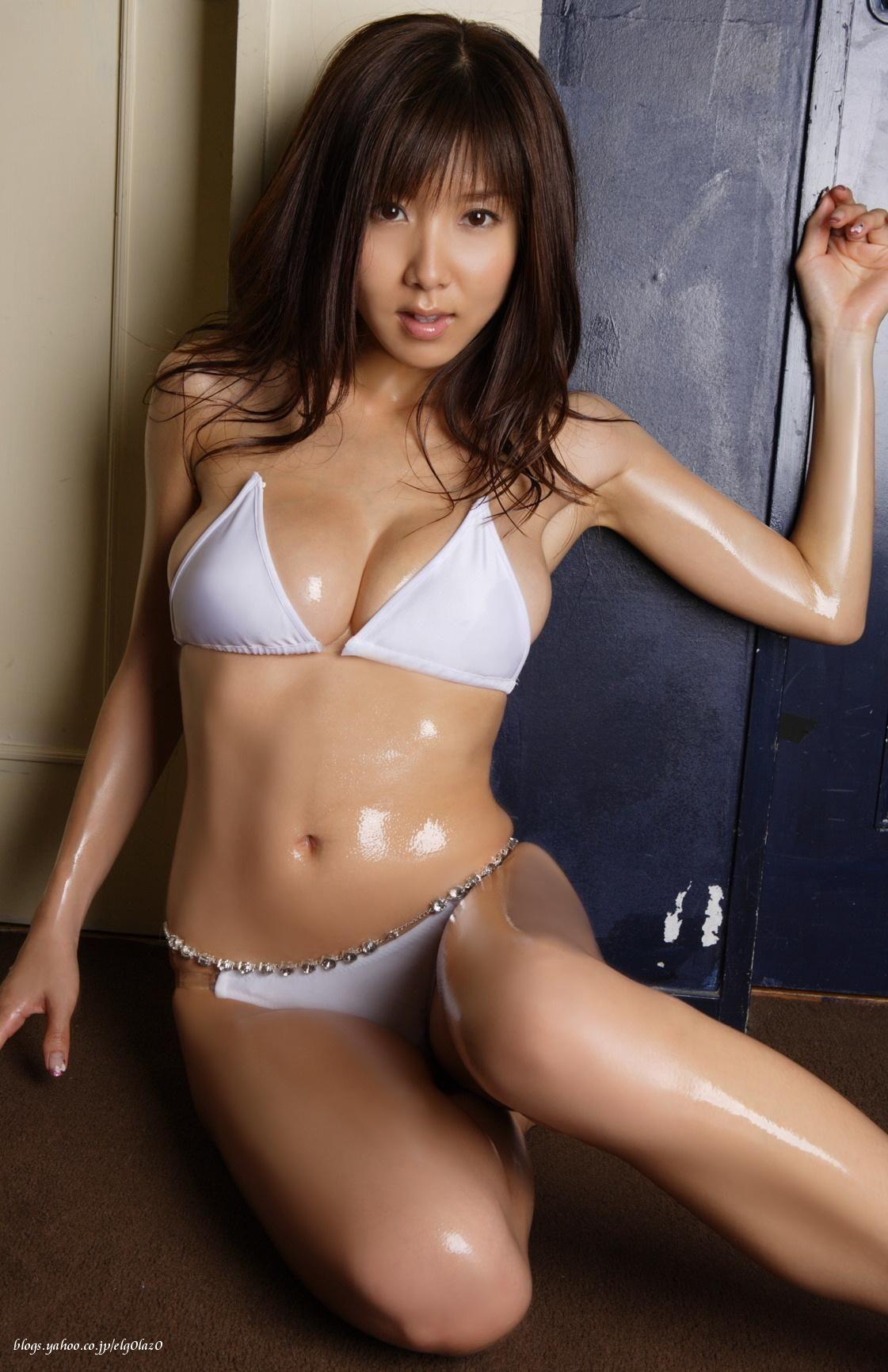 Asian naked girl body