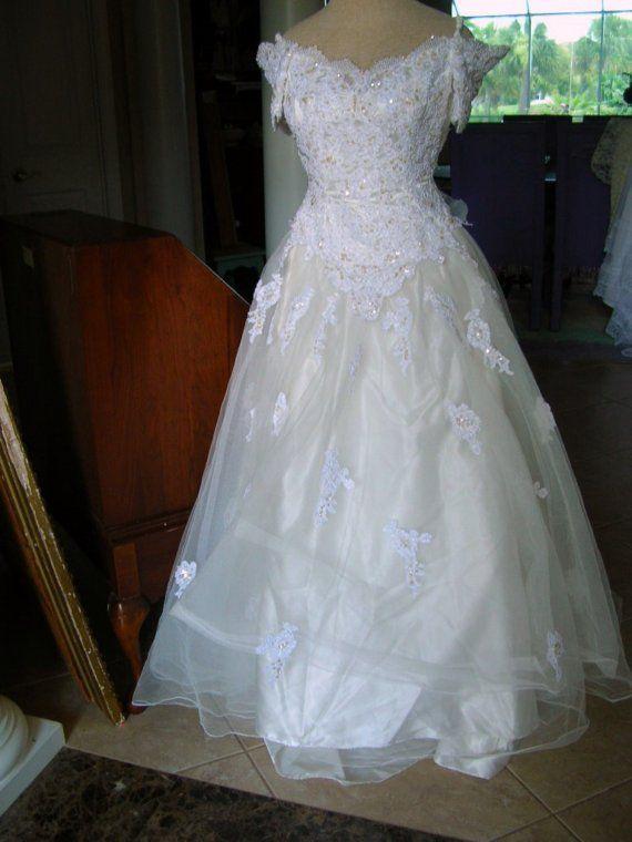 120330-02Fabulous vintage white off the shoulder Mon Cher wedding ...