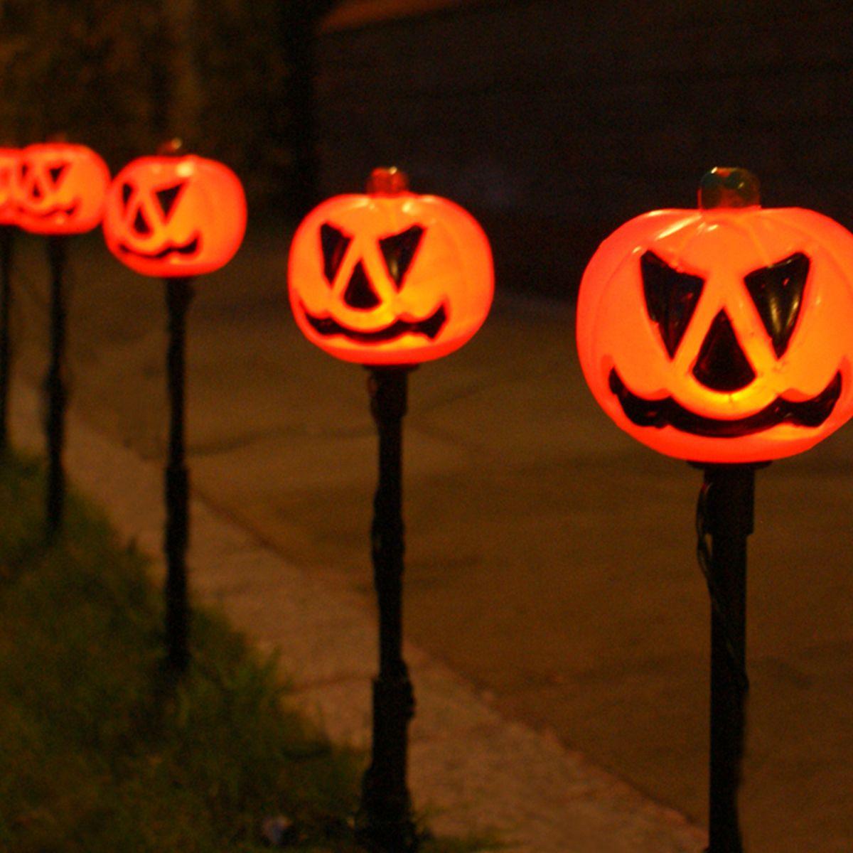 Outdoor Plug In Halloween Pumpkin Stake Lights, 5 Pack