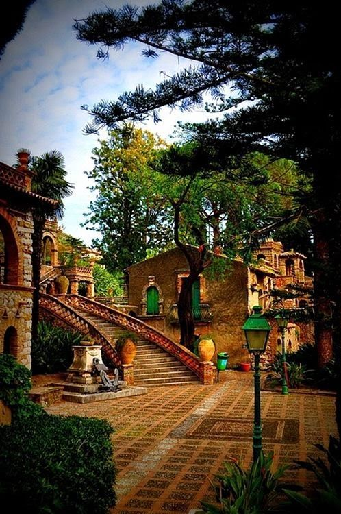 architecturia:  Taormina, Sicily, It amazing architecture design