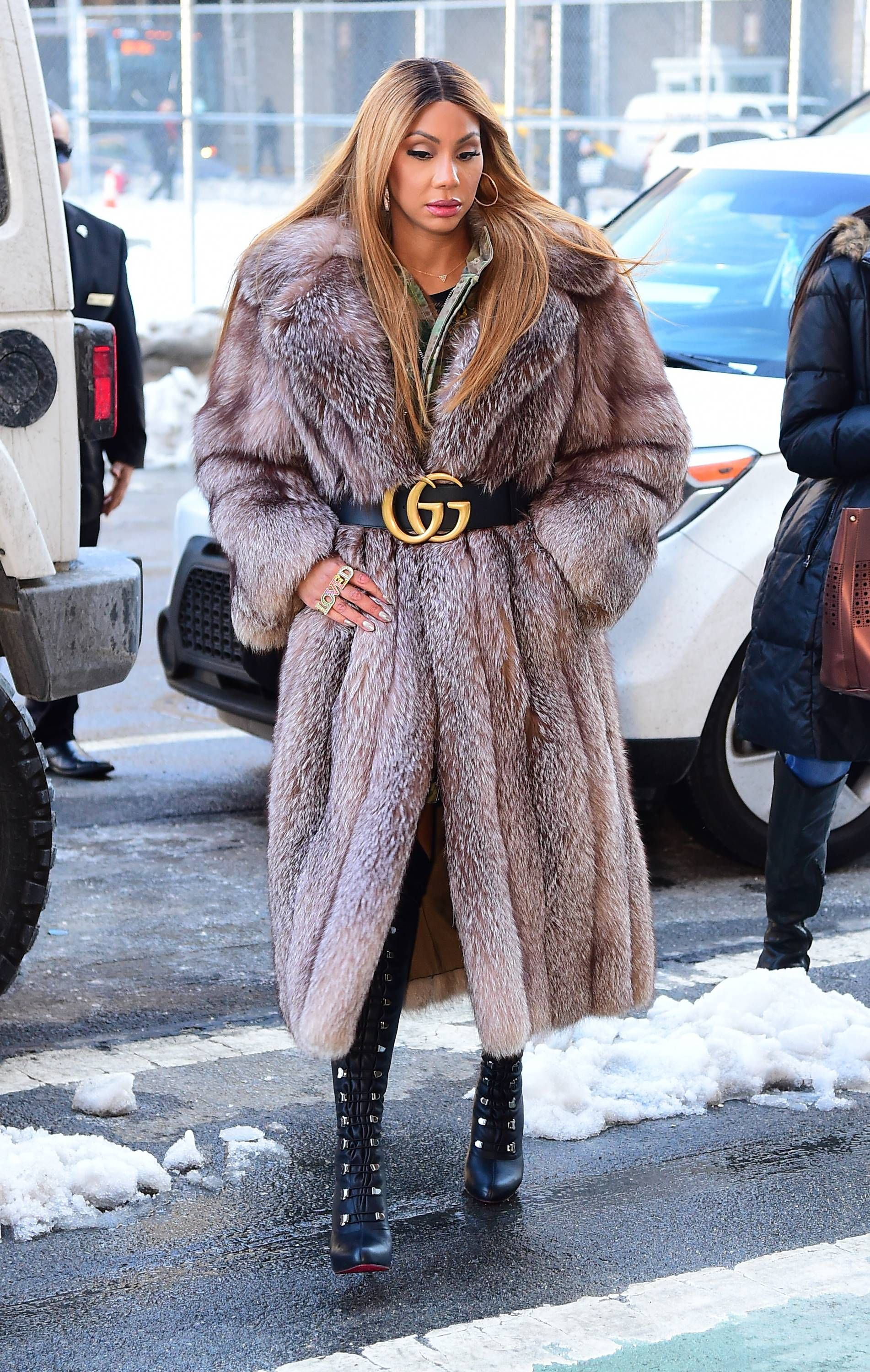 It S All Gucci Which Way Do You Like How Tamar Styled This Vintage Gucci Belt Fur Coats Women Fur Coat Outfit Fur Coat [ 3000 x 1902 Pixel ]