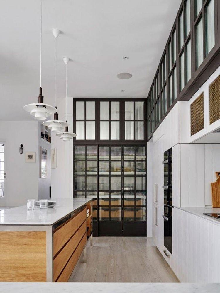 Offene Küche vom Wohnzimmer abtrennen Trennwände im Industrie-Look