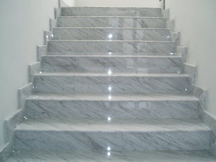 Best Marble Staircase View Mountain Laurel Handrails At Http 400 x 300
