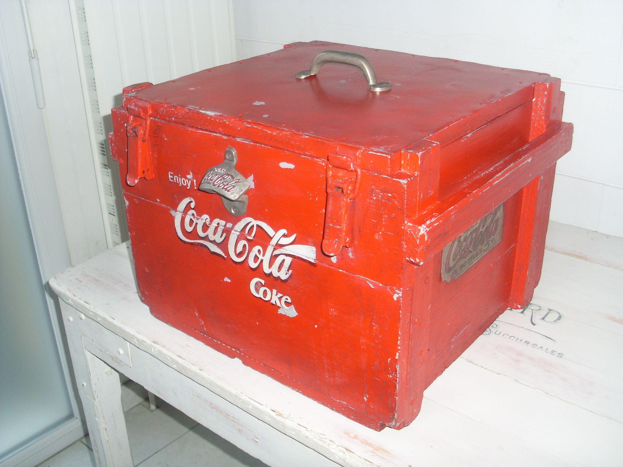 boite coca cola ancienne caisse de munitions peintures d coration vintage pinterest. Black Bedroom Furniture Sets. Home Design Ideas