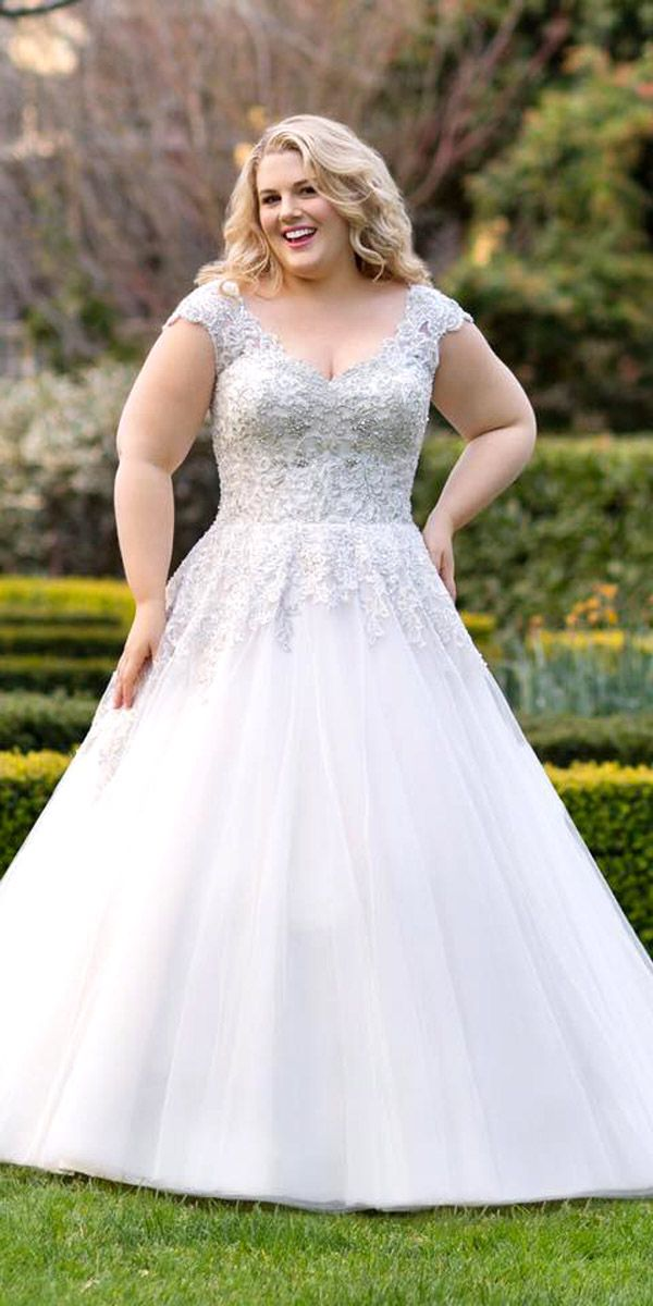 d4ae4b7523 24 Plus-Size Wedding Dresses  A Jaw-Dropping Guide ❤ See more