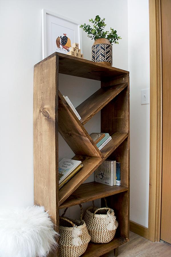 Diy Bookcase With Angled Shelves Vintage Bookshelf Modern