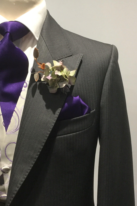 Black with Cadbury Purple Floral Pattern Bow Tie Men/'s Bowtie