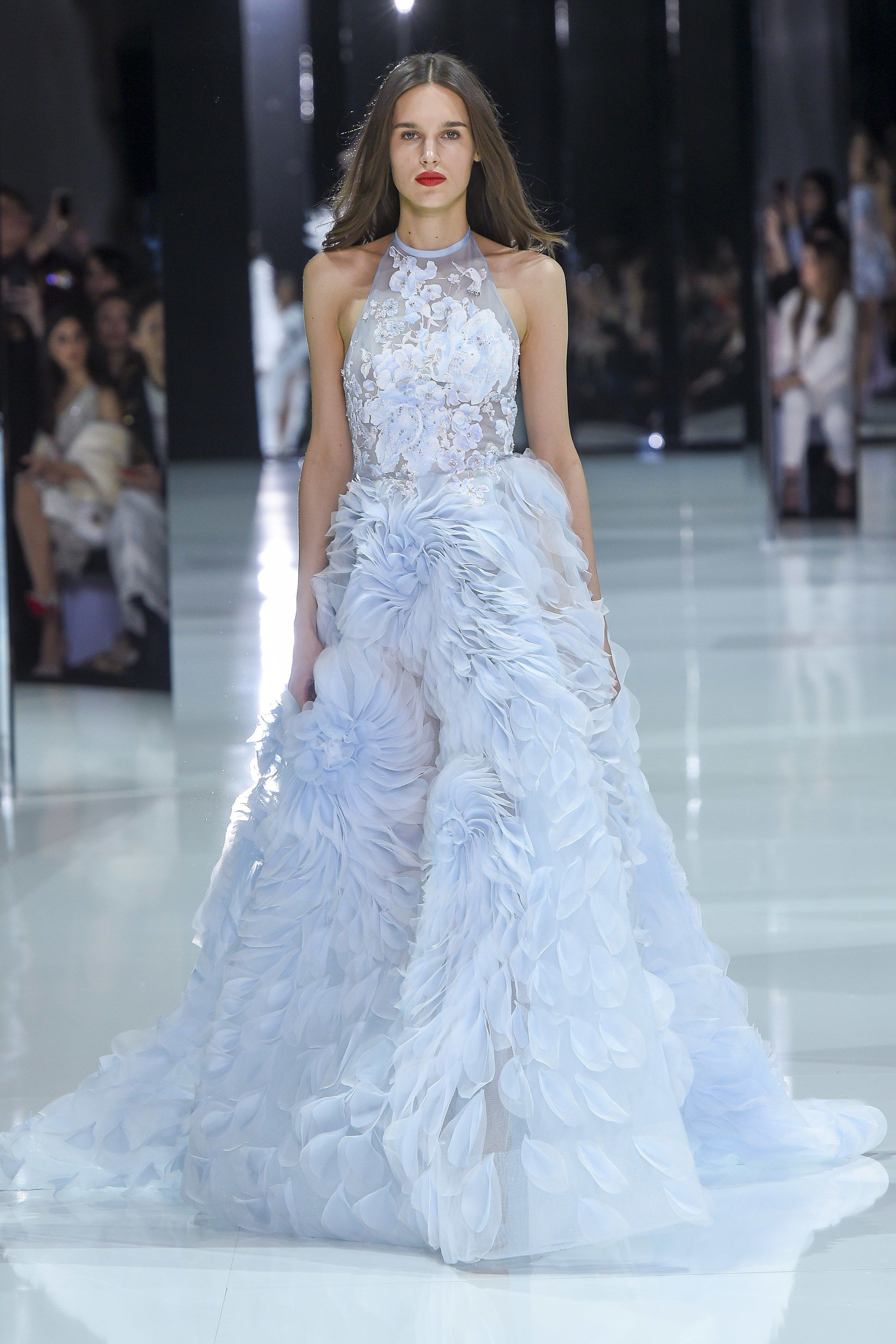 51de7addb0d8 The complete Ralph   Russo Spring 2018 Couture fashion show now on Vogue  Runway.