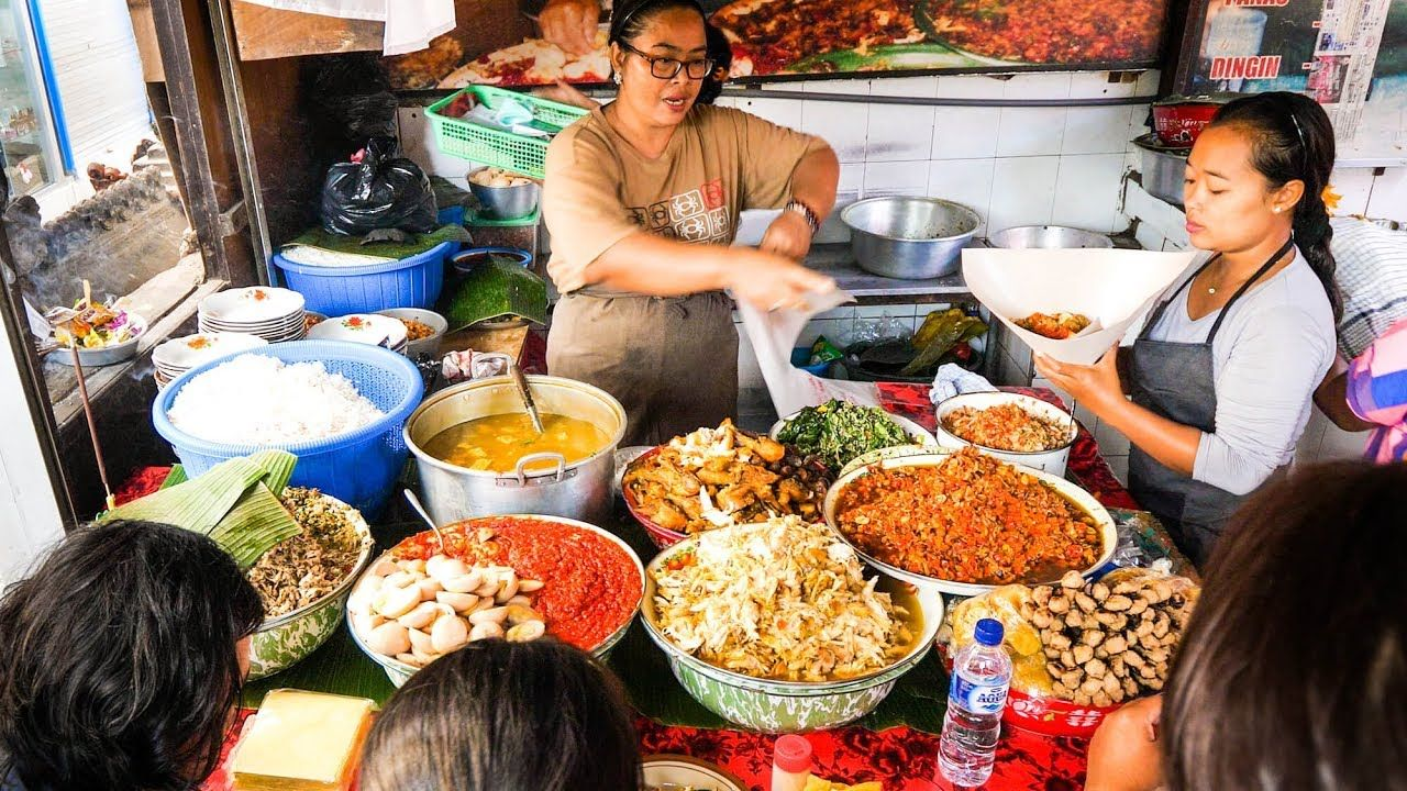 Street Food Tour of Bali INSANELY DELICIOUS Indonesian