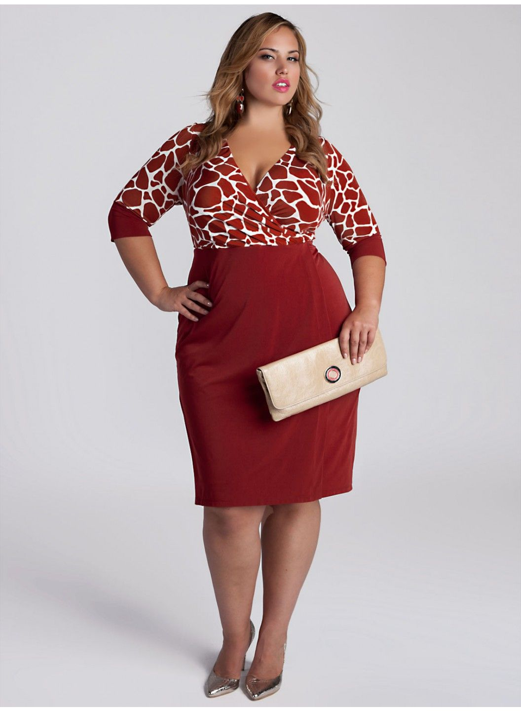 90071a47d38 Curvy Woman Red and White Dress and Silver High Heels