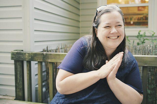 Фото жены под столом