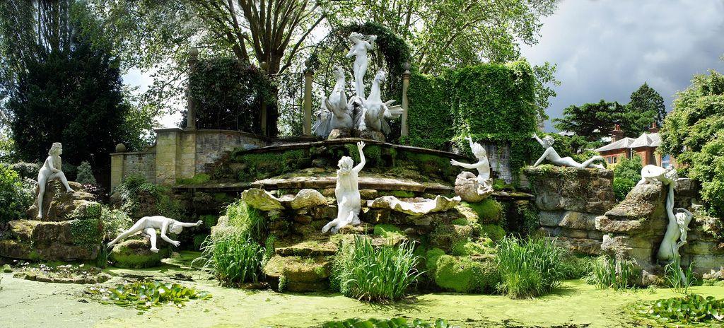 Classical Statues In York House Gardens Twickenham Secret Places London Places London