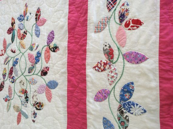 1920/30s Antique/Vintage Tea Leaves Quilt .Just Stunning! It has very striking colours and assorted feedsacks material. Hand appliquéd, hand